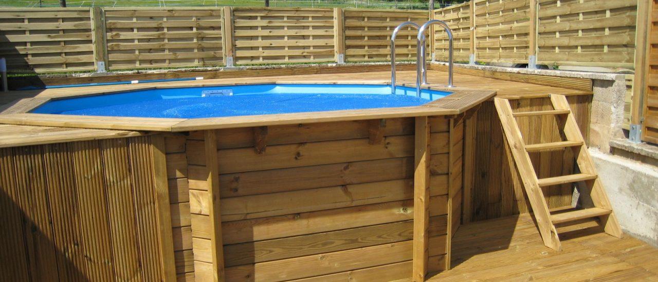 Ce qu'il faut savoir avant d'installer une piscine en bois