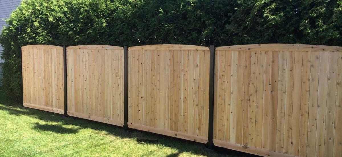 Le bois ou le béton pour sa clôture ?